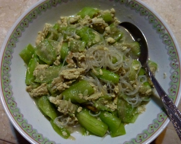 A luffa dish with eggs and tang hoon
